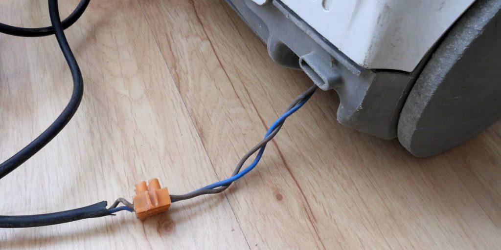 Jak nie należy naprawiać przewodu